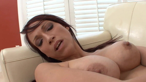 Young chick Nikki Hunter goes in for ramming hard HD