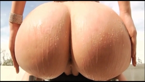 Amateur Mandy Muse along with Hardcore Mandy sucking cock