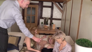 Hot amateur group sex in HD