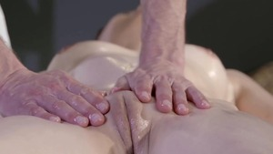 Shaved mature wants squirts in HD