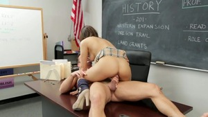 Couple Sara Luvv in glasses got her pussy smashed after school