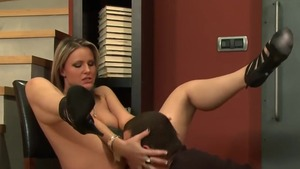 Very hot mature Samantha Jolie feels up to raw fucking in HD