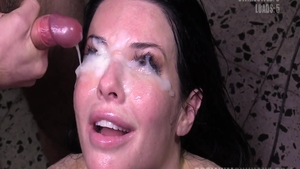 Amateur Veronica Avluv getting a facial