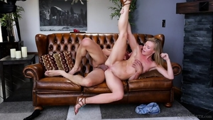 Blonde babe rushes hard sex