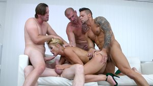 Group sex in company with very hawt