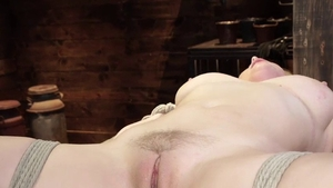 Blonde hair Penny Pax masturbating