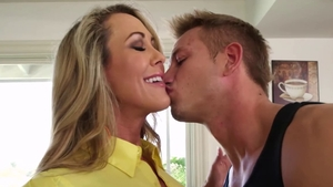 Large tits blonde babe rough pussy eating