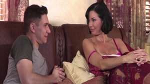 Big tits stepmother Veronica Avluv pounded by Brad Knight