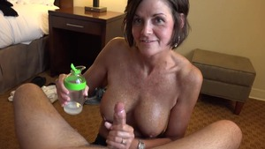 Tanned cougar blowjobs