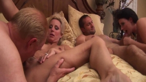 Busty MILF Sophie Dee loves foursome