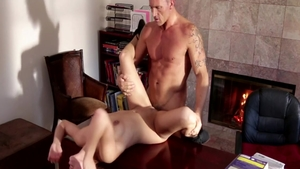 Babe Sara Luvv pussy fuck on the table