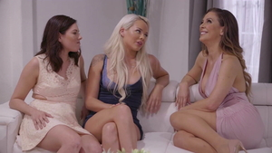 Threesome along with jewish India Summer