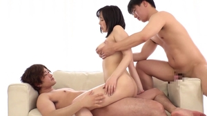 Big ass asian bride pussy eating