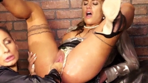 Perfect supermodel goes for sex toys HD
