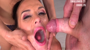 Very sexy Vinna Reed cum in mouth sex scene