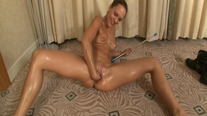 Tanned babe pussy fucking