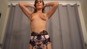 Super sexy Honour May babe cumshot sex tape