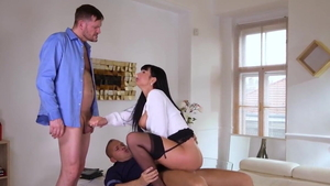 Valentina Ricci and Thomas Stone jumping on a dick