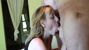 Classy french babe romantic pussy eating
