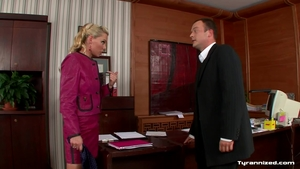 Blonde agrees to hard pounding in HD