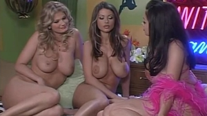 Huge boobs Veronica Zemanova & Aria Giovanni stripteasing porn