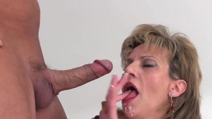 Huge boobs Lady Sonia getting a facial