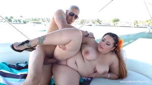 Pussy sex escorted by big ass brunette