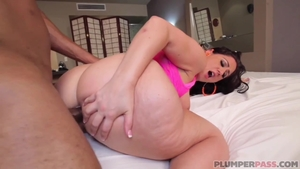Big ass ebony pawg goes for sex