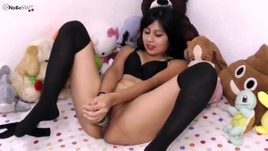 Beautiful latina 18 yr old goes in for squirting HD