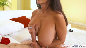 Hawt stepmom blowjobs in HD