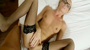 Hard nailining amateur in glasses