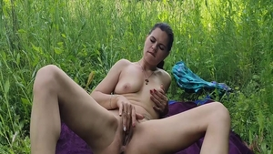 Girl lusts homemade rough sex outdoors in HD