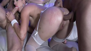 Mira Sunset in sexy lingerie raw double penetration