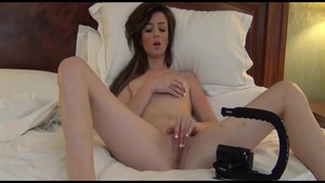 Very hot housewife rushes POV cumshot in hotel